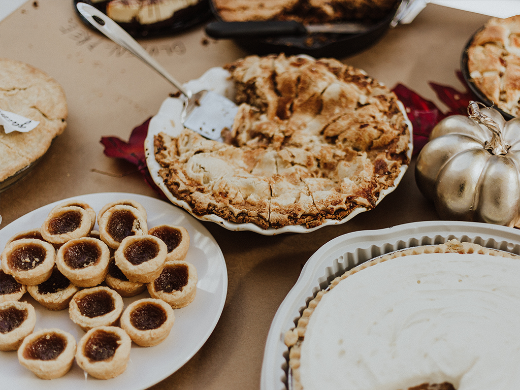 thanksgiving feast pies pastries